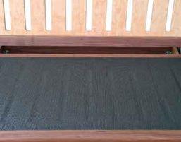 Gleitschutz Unterlage im Standardmaß 60x120cm - passend für alle Größen von Futonsofas.